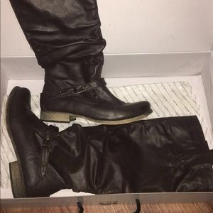 NIB New in Box Aldo Guinther boots sz 6.5